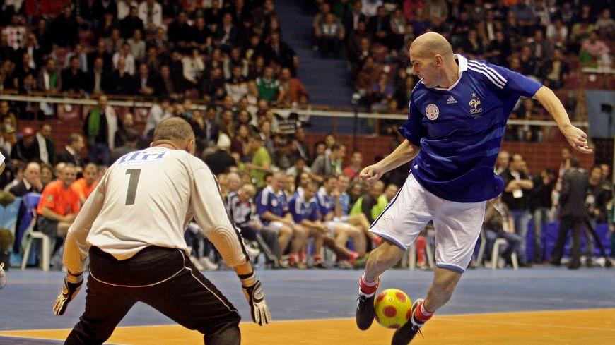 Zinédine Zidane participera au tournoi en hommage à Henri Michel, ce samedi, à la H Arena de Nantes.