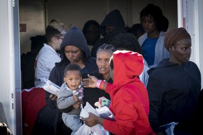 Sauvetage d'une embarcation de migrants à Malaga en Espagne
