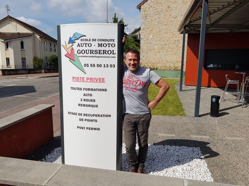 Alexandre, l'actuel directeur de l'auto-école Gourserol