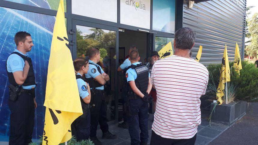 A la demande des gendarmes, les militants sont repartis dans le calme