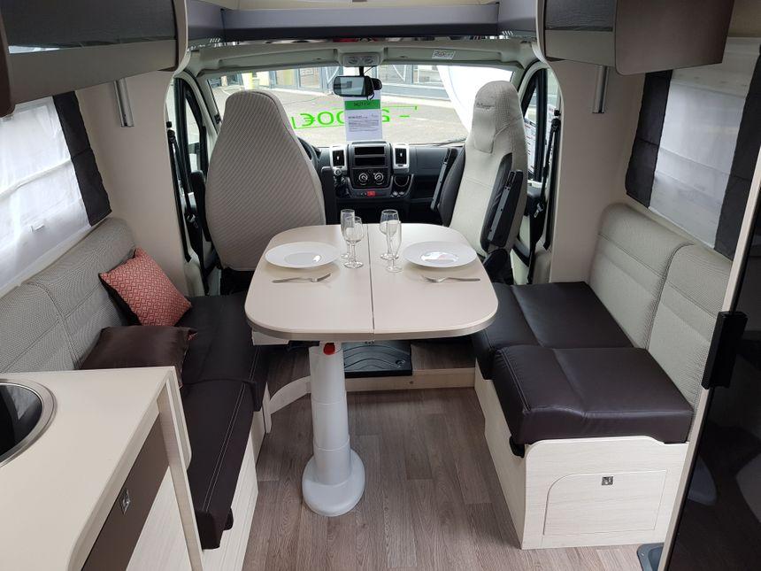 L' espace intérieur des camping-cars sont optimisés, comme dans les bâteaux.