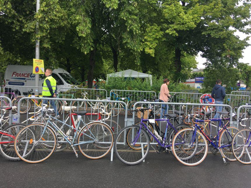 117 vélos étaient proposés à la vente dimanche après-midi.
