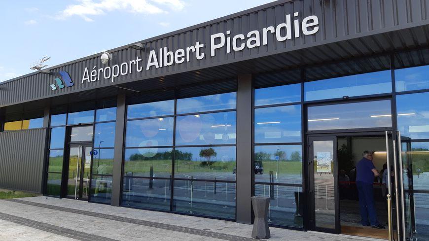 La quasi-totalité de l'activité de l'aéroport d'Albert-Picardie est relative au fret aérien.