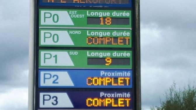 Les parkings de Nantes Atlantique sont régulièrement saturés. Photo d'archives du 8 août 2018.
