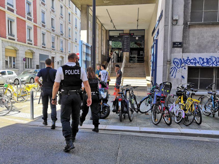 La police municipale et nationale est intervenue pour contrôler et verbaliser les contrevenantes