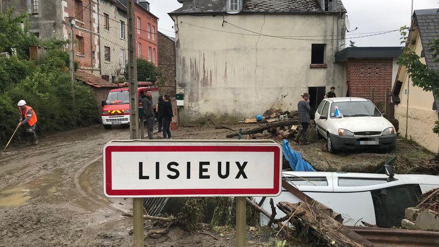 La ville de Lisieux sous la boue après les orages de la nuit dernière