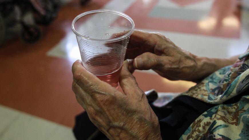 Les risques sont accrus pour les personnes âgées en période de forte chaleur.