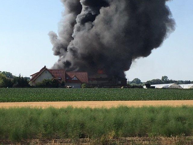 Près de 70 pompiers sont sur place.