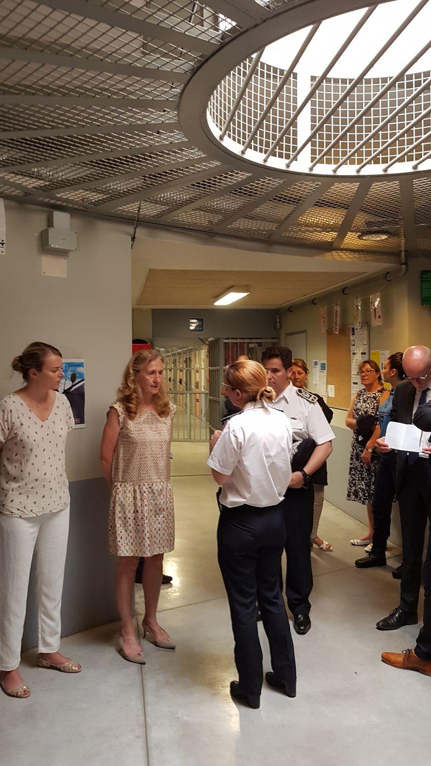 La ministre visite la prison