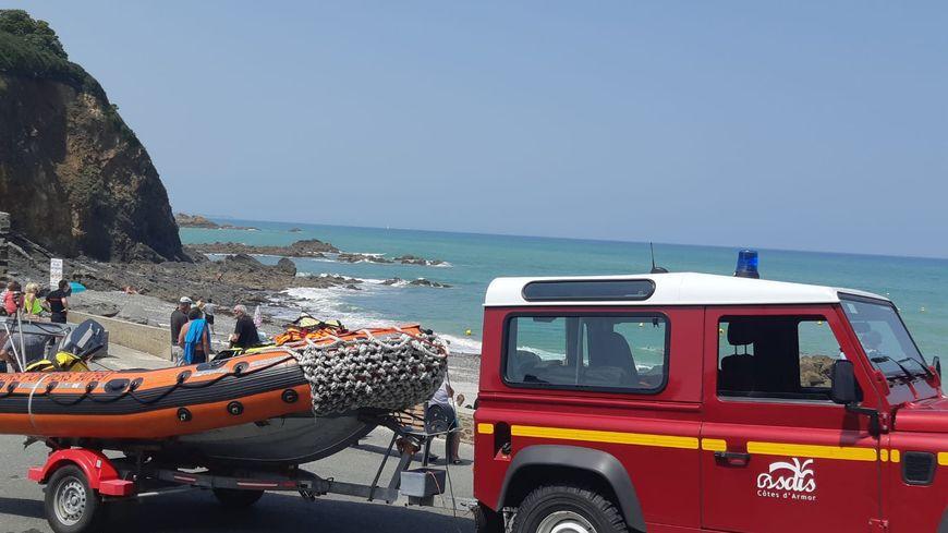 Les pompiers sont intervenus à Martin Plage à Plérin pour sauver un baigneur