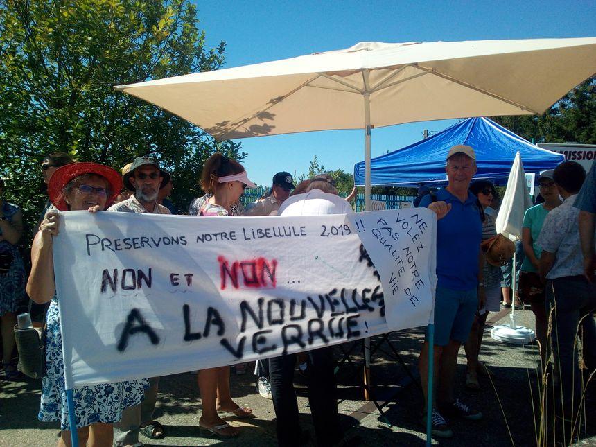 Ces riverains protestent contre le projet d'antenne de téléphonie et ont décidé de déposer un recours.