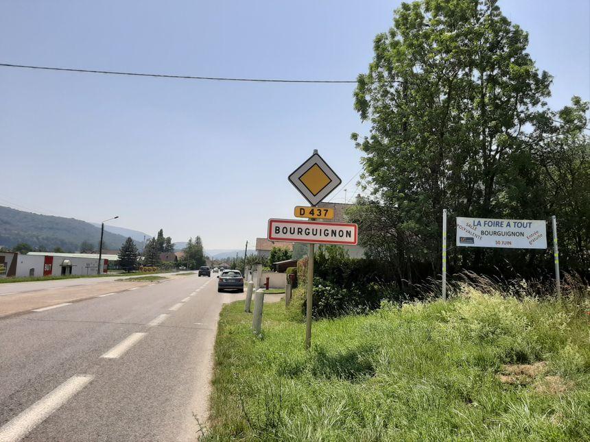 L'entrée du village de Bourguignon, coté Mathay