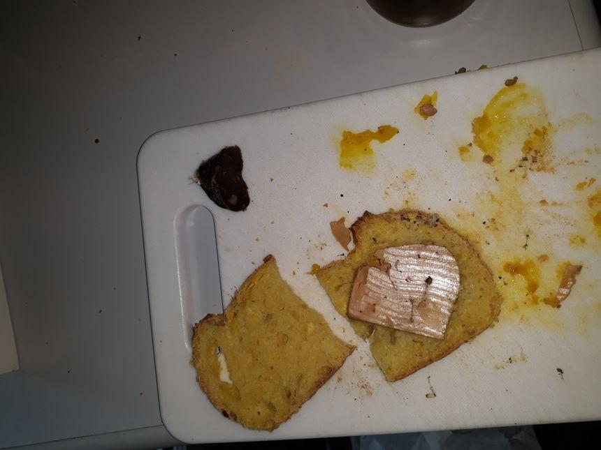 Alors le saucisson à disparu et pour le foie gras voilà ...