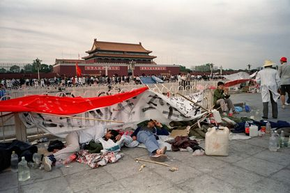 Archive, 21 mai 1989.  Neuvième jour de sit-in étudiants sur la place Tiananmen à Beijing.