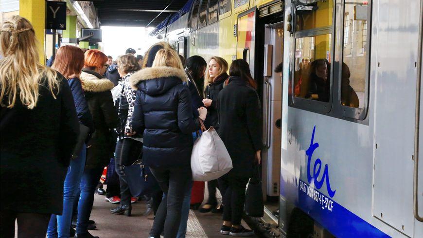 Un TER Lorraine en gare de Metz