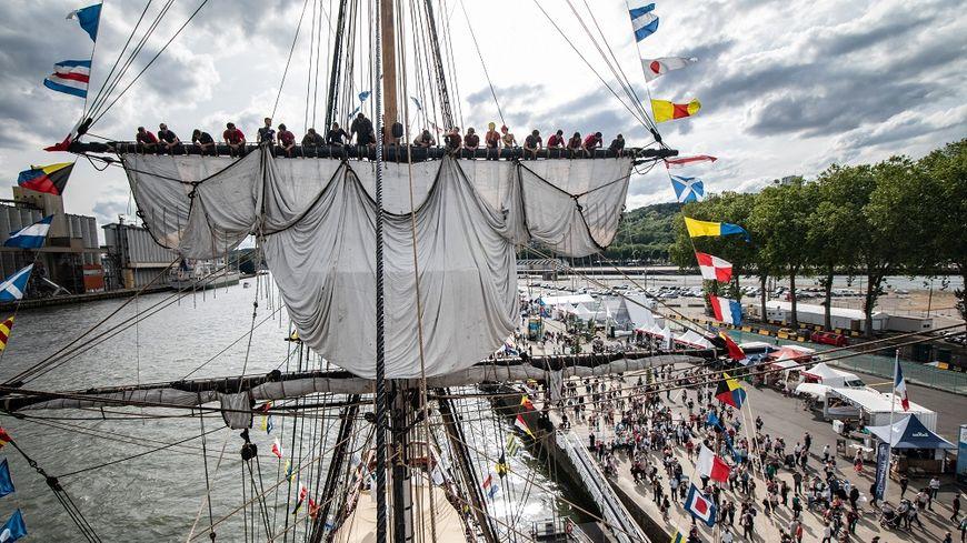 L'Hermione, invitée vedette, de l'édition 2019 de l'Armada à Rouen.