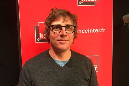 Portrait d'Aurélien Bellanger, écrivain français, chroniqueur radio, et philosophe le 7 juin 2019.