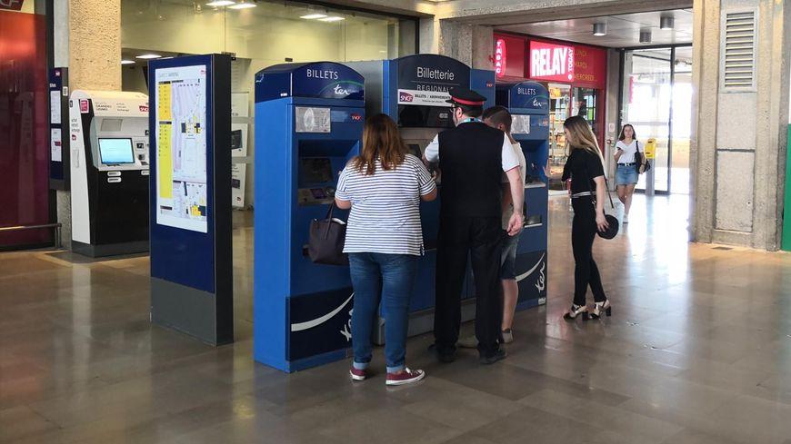 Ce lundi la Région Haut de France a mis en vente les premiers billets TER à 2 euros de l'été : une offre pour permettre à tous de voyager dans 24 destinations en bord de mer.