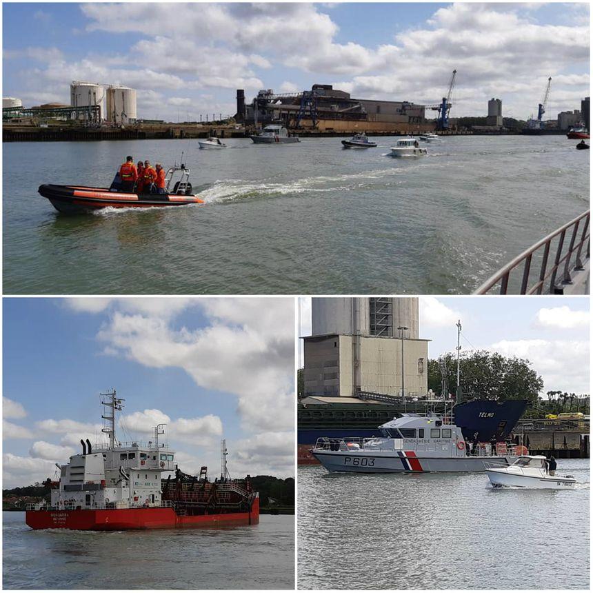 Une vingtaine de bateaux ont pris le sillage du capitaine Martin Jorlis pour cet hommage, dont celui de la gendarmerie maritime et la drague Hondarra