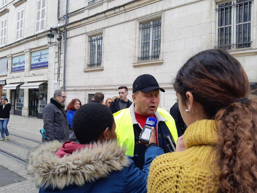 Reportage sur une manifestation de gilets jaunes