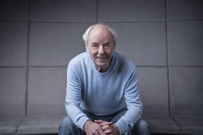 Portrait de l'auteur-compositeur-interprète Maxime Le Forestier à Paris, le 7 mars 2018