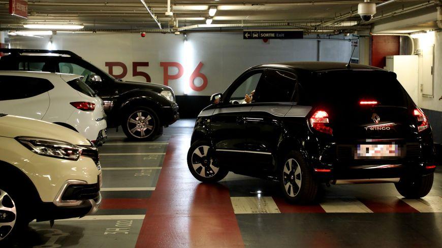 Combien coûte une place de parking (illustration)