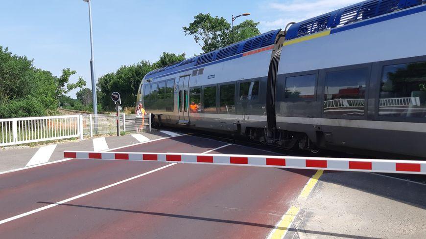 En moyenne 15 000 véhicules par jour empruntent le passage à niveau de Jonches à Auxerre.
