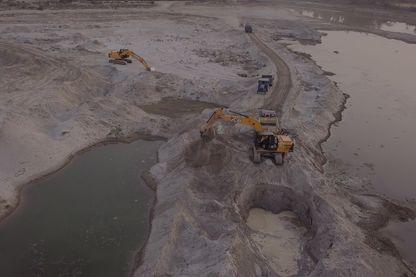 Exploitation de sable au bord de la rivière Garra, près de Sharajahanpur (Inde) - avril 2019