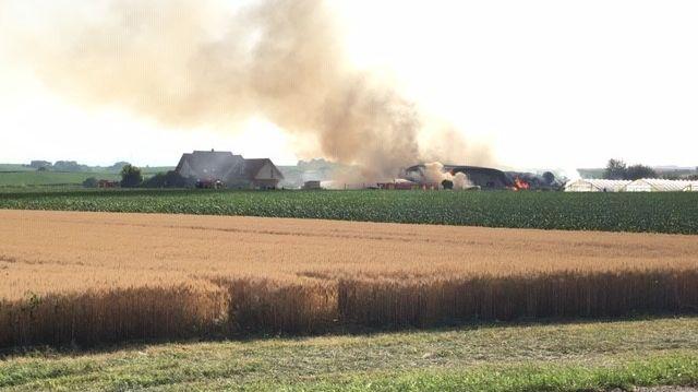 La ferme-cueillette a pris feu un peu après 17h.
