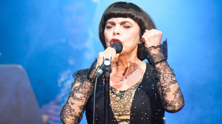 Mireille Mathieu en tournée en Allemagne en 2018