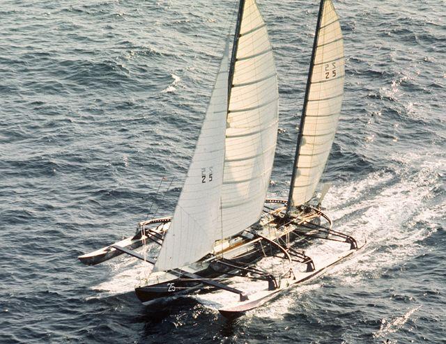 Manureva et le skipper Alain Colas ont disparu le 16 novembre 1978, sur la première édition de la Route du Rhum.
