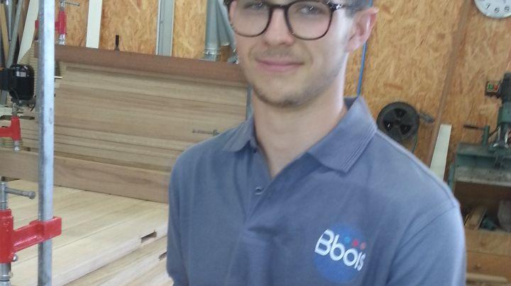 Tanguy Charlin travaille cet été dans l'entreprise Bbois de St-Doulchard