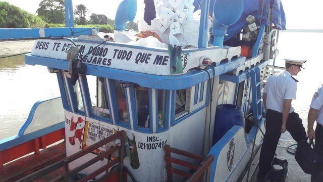 Le 13 juin dernier, le Progresso, bateau brésilien, a été arrêté en Guyane. A bord, 12 Brésiliens pêchaient illégalement. 12 kilos de vessies natatoires à bord et 700 kilos de poissons