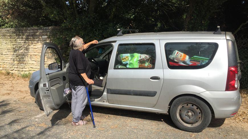 Depuis 25 jours, Myriam vit dans sa voiture à Ars-en-Ré