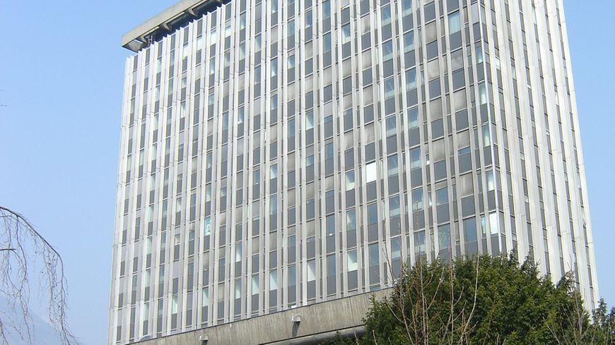 La Tour de 12 étages de l'Hotel de Ville de Grenoble