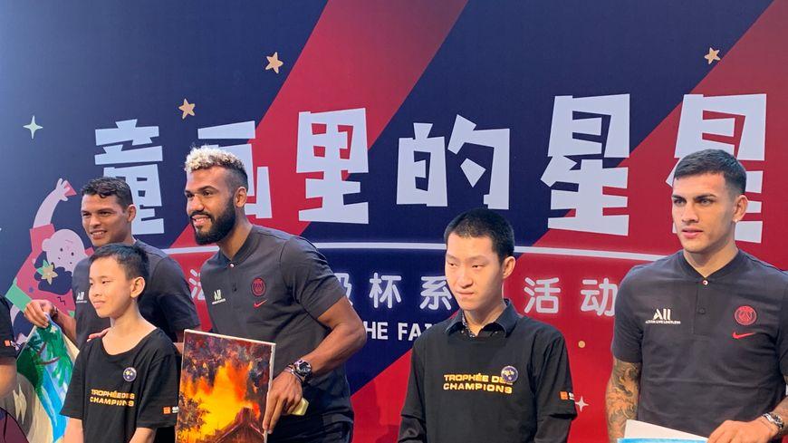 Thiago Silva, Eric-Maxim Choupo-Moting et Leandro Paredes ce mercredi à Shenzhen (Chine).