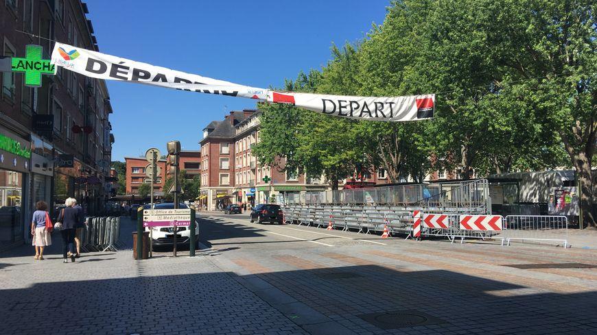 Les coureurs professionnels, dont Warren Barguil, s'élanceront à partir de 20h30, ce mardi 30 juillet, Place François Mitterrand, à Lisieux.