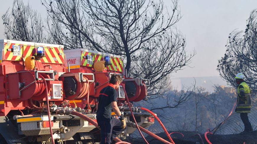 Des incendies sévissent dans les Bouches-du-Rhône, comme ici entre Vitrolles et Rognac