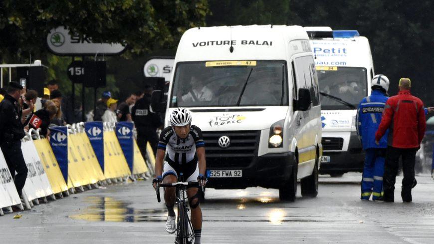 """En 2014, c'est le coureur chinois Cheng Ji qui termine dernier, donc """"lanterne rouge"""", du Tour de France"""