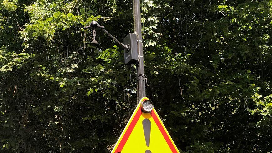 """Le radar """"Méduse"""", en phase d'expérimentation jusqu'à fin 2020, analyse les nuisances sonores des véhicules"""