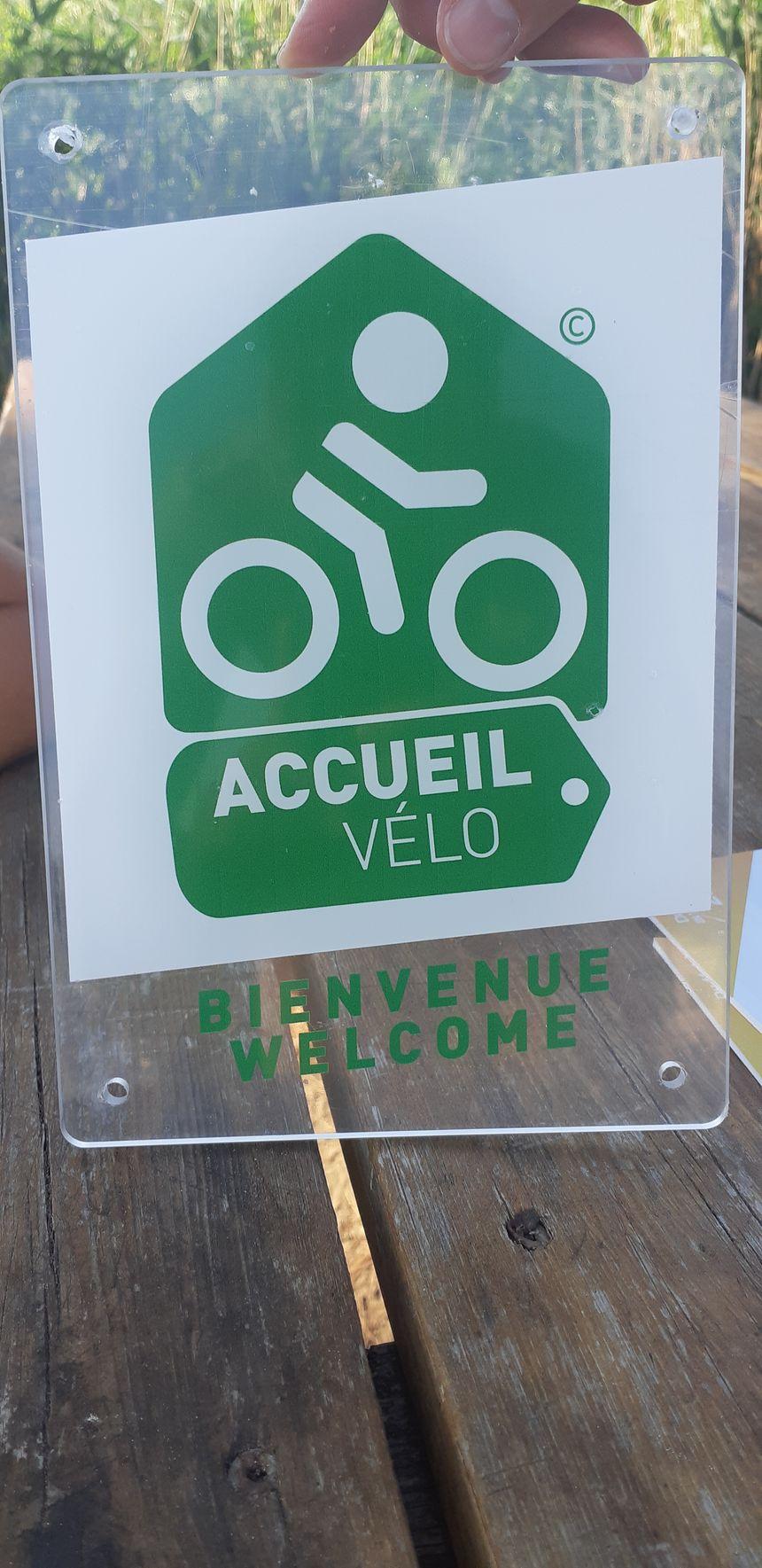 """Le logo du label """"Accueil vélo""""."""