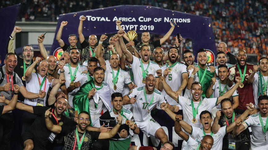 La joie des footballeurs algériens après leur victoire en finale de la CAN 2019.