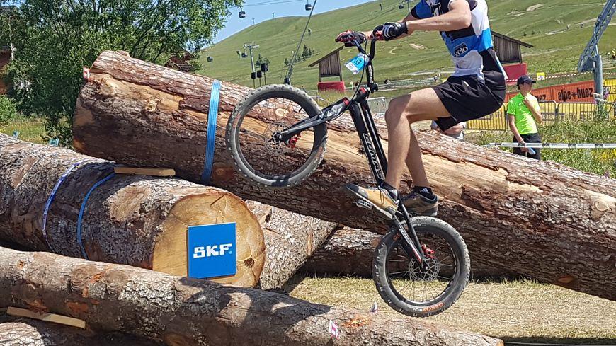 Trois disciplines aux championnats de VTT : trial (photo), descente et cross-country