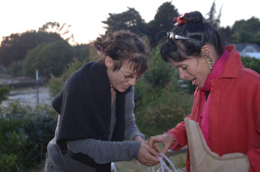 Jane Birkin lors du tournage de son film Boxes tournée dans sa maison de Lannilis en 2006
