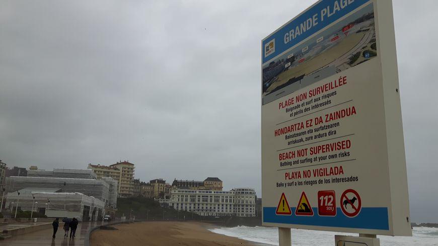 Plusieurs plages du Pays Basque sont fermées ce vendredi matin à cause des fortes pluies.