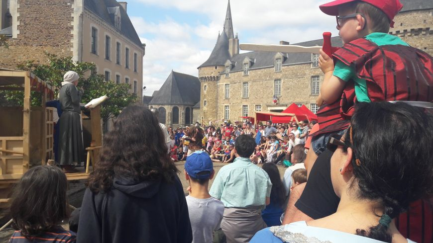 Pour la 4e édition de la fête médiévale de Sillé-le-Guillaume, Nessamelda a conquis le public.