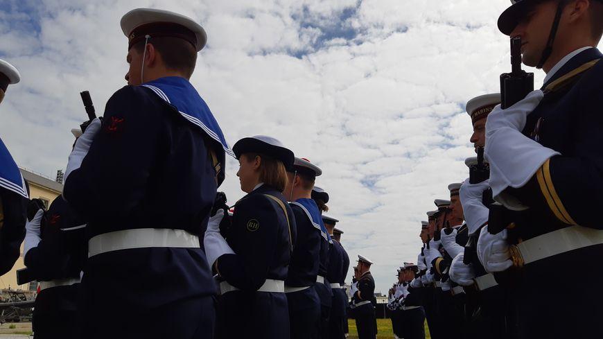 Cérémonie militaire de prise de commandement à la tête des 160 fusiliers marins de Cherbourg