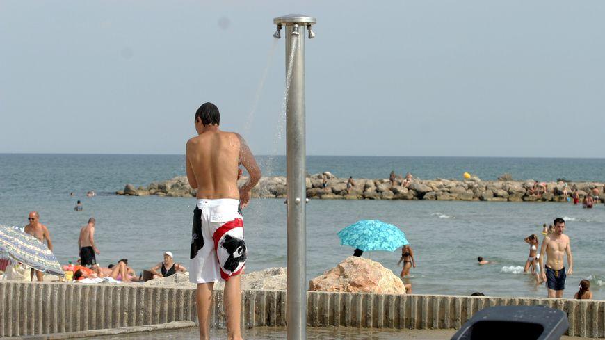 Les douches de plage sont interdites en Charente Maritime.