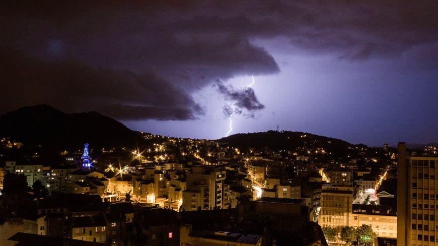 Les orages ont frappé près de 50.000 fois ce vendredi 26 juillet en France (illustration)