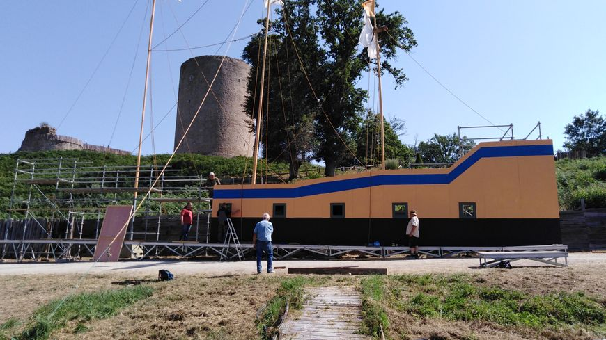 A Bridiers, le bateau est en cours de construction